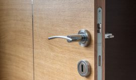 Electronic Hotel Door Locks May Not Be Secure - Video
