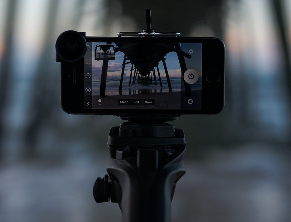 Take a Great Selfie!  A Few Simple Tips