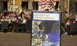 How to Avoid Pickpockets While Traveling