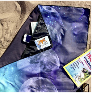 Beach towel with pocket to protect your possessions while at the beach